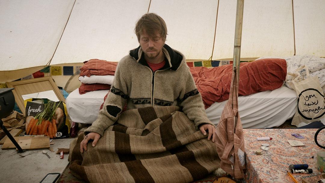 Eddie-meditating-in-tent